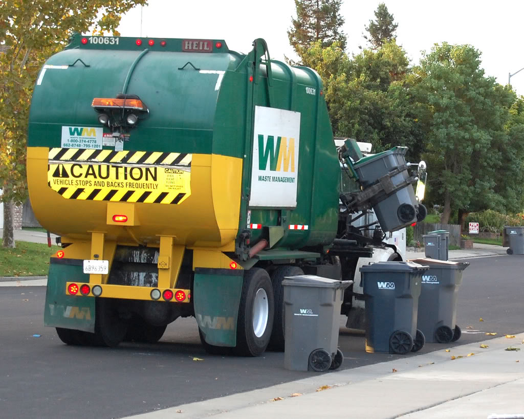 Waste Management RecyclingTruck